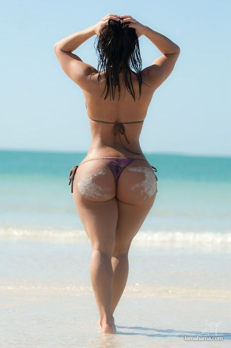 Large, round, woman butts - Pictures nr 25