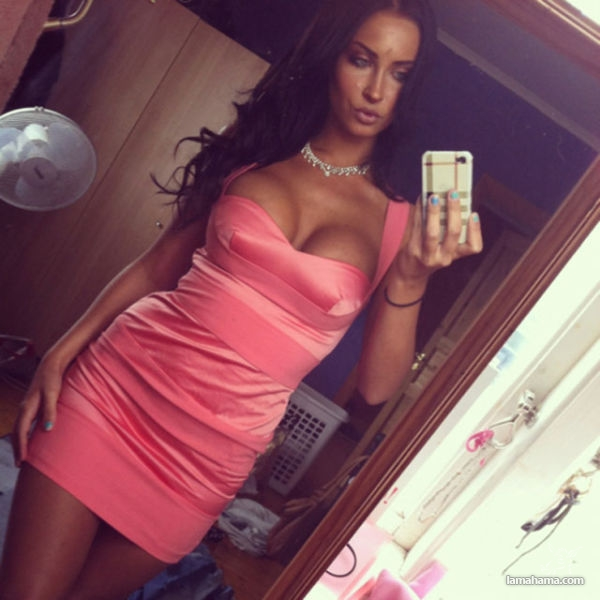 Girls in tight dresses V - Pictures nr 1
