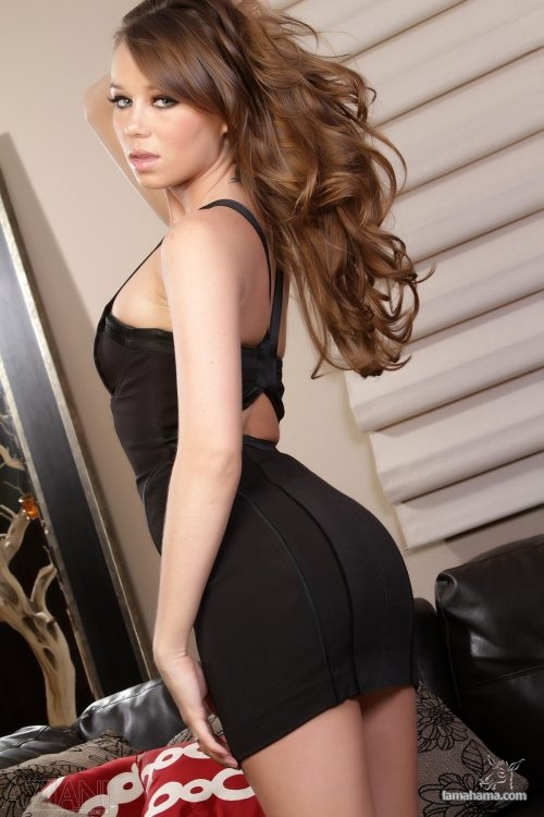 Girls in tight dresses - Pictures nr 1