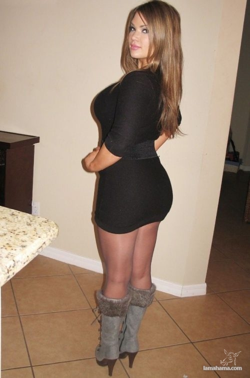 Girls in tight dresses - Pictures nr 17