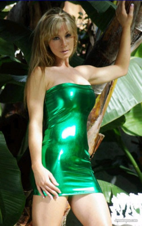 Girls in tight dresses - Pictures nr 22