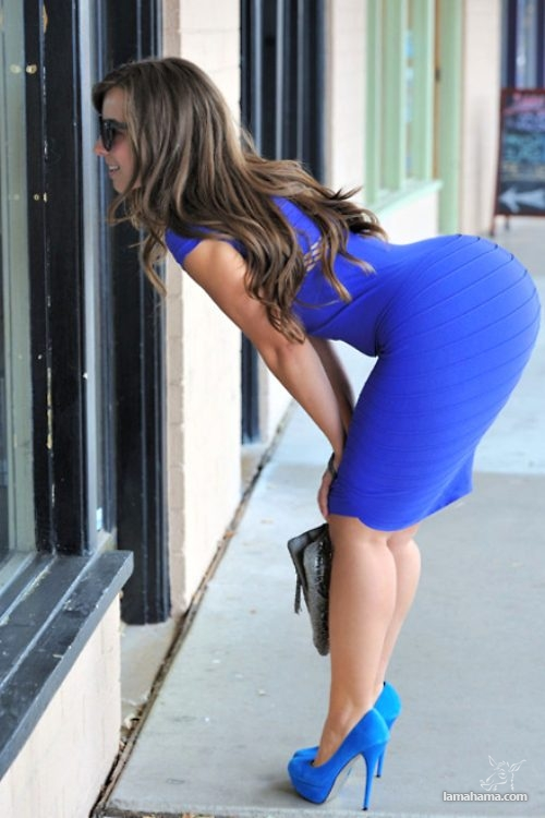 Girls in tight dresses - Pictures nr 23