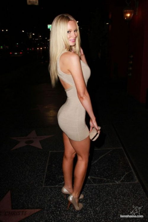 Girls in tight dresses - Pictures nr 29