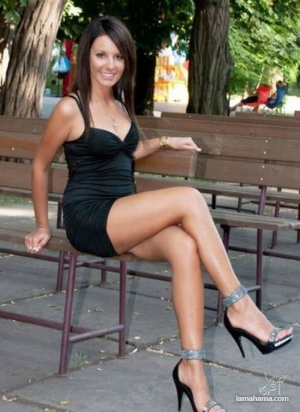 Girls in tight dresses - Pictures nr 39