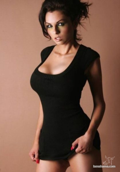 Girls in tight dresses - Pictures nr 45