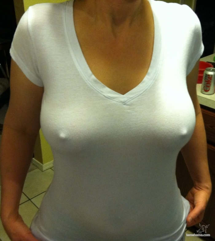Girls without bras - Pictures nr 14