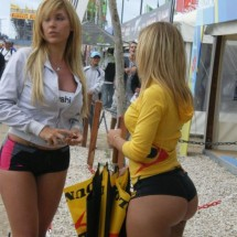 BIg butts in public places - Pictures nr 944