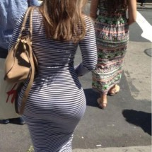 BIg butts in public places - Pictures nr 3